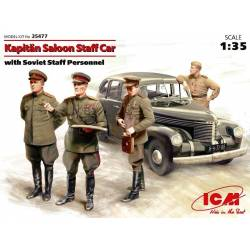 Kapitän Saloon Staff Car with Soviet Staff Personnel
