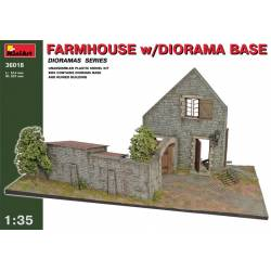 FARMHOUSE W/DIORAMA BASE