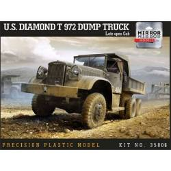 US Diamond T 972 Dump Truck Late