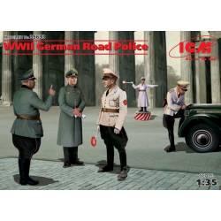 WWII German Road Police (5 figure)