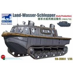 Land-Wasser-Schlepper (early production)