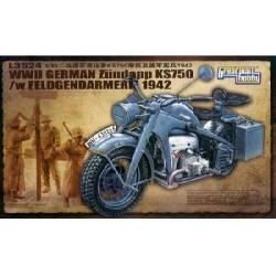 WWII German Zundapp KS 750 /w Feldgendarmerie 42