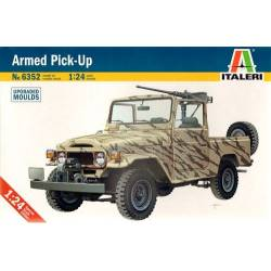 Armed pick up Toyota land cruiser 1/24ème